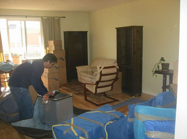 Movers Wrapping Items